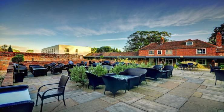 Alfresco Dining at Lifehouse Spa & Hotel